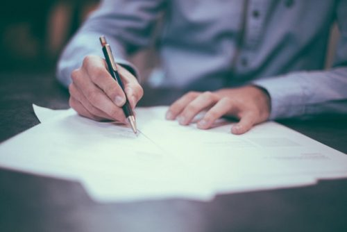 10 Considerations When Signing A Legally Binding Agreement